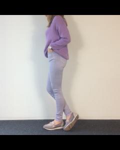 Paarse skinny jeans