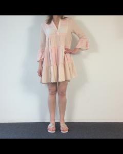 Roze gestreept kleedje