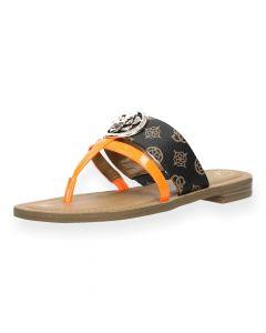 Bruine slippers Genera