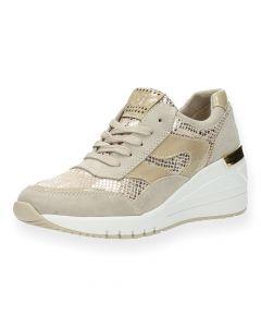 Beige sneakers sleehak