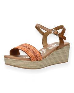 Oranje sandalen met sleehak