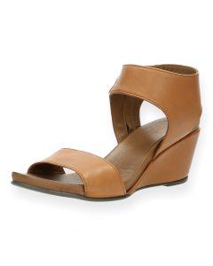 Camel sandalen met sleehak