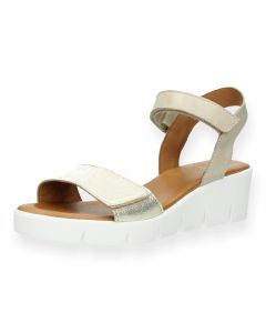 Beige sandalen sleehak