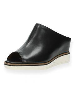 Zwarte slippers met sleehak