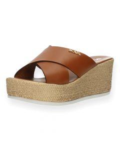 Cognac slippers met sleehak