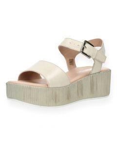 Roze sandalen met sleehak