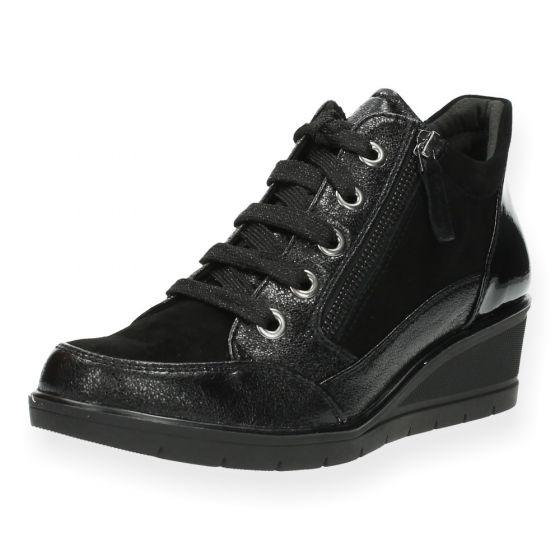 ed84b2ca3ff Zwarte sneakers van Tamaris | BENT.be