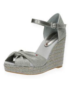 Grijze sandalen met sleehak