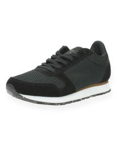 Zwarte sneakers